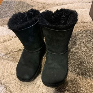 Girls UGG Bailey bow size 13